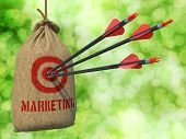 pic of arrow  - Marketing  - JPG