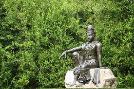 picture of yin  - Female Goddess Chinese Buddha  - JPG