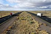 picture of 18 wheeler  - arizona interstate highway 40  - JPG