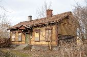 picture of wooden shack  - Old abandoned wooden house - JPG