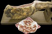 picture of shoulder-blade  - Serrano ham leg and plate with slices - JPG