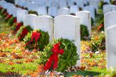 picture of arlington cemetery  - Gravestones with Christmas wreaths in Arlington National Cemetery  - JPG